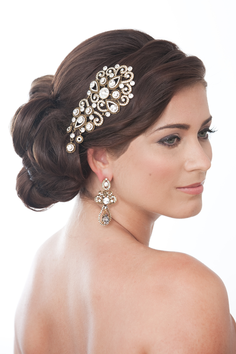 readers-offers-150-crystalbridalaccessories.co.uk Model_shot_Alessa_antique_Gold_Comb_ú69.99_