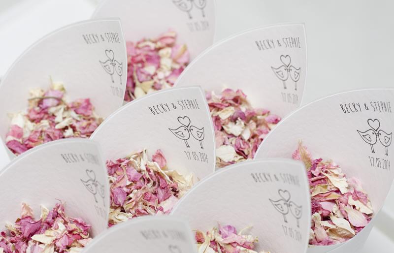 readers-offers-150-love bird £5 for tten The confetti cone company