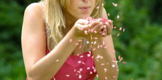 summer-confetti-ShropshirePetals.com Blowing Raspberry Fool Confetti £11.50 per litre (£3)