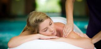 10-ways-to-de-stress-Ragdale Hall Shoulder Massage (3)