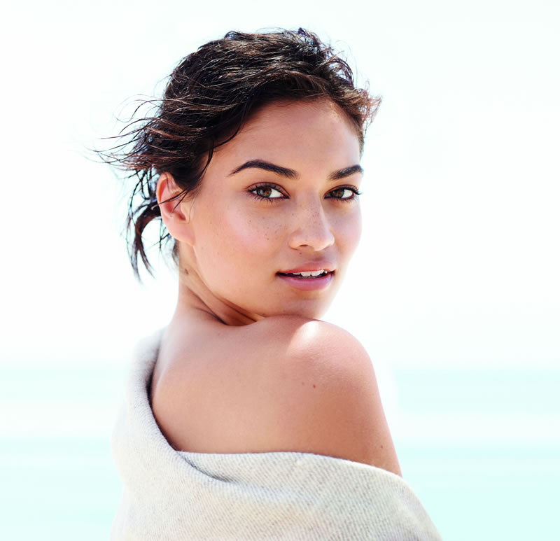 150-national-wedding-show-bareMinerals - ComplexionRescue_ShaninaShaik_Hero_Extended_335-1 (1)