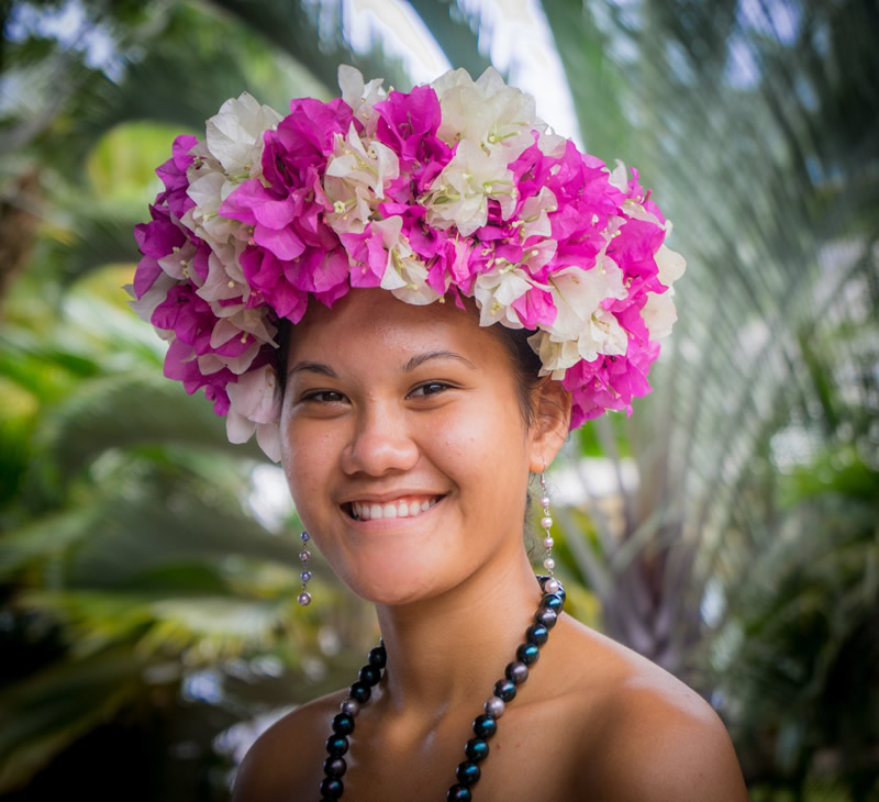 5 Quirky Honeymoon Getaways - Polynesian Woman (Cook Islands)