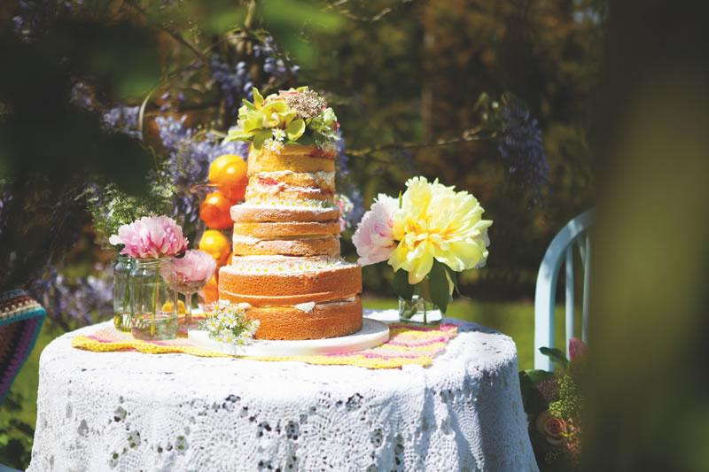 behind-times-wedding-cake-Elizabeths Cake Emporium www.elizabethscakeemporium.com Celine Chaplin Boho Bridal Shoot 087