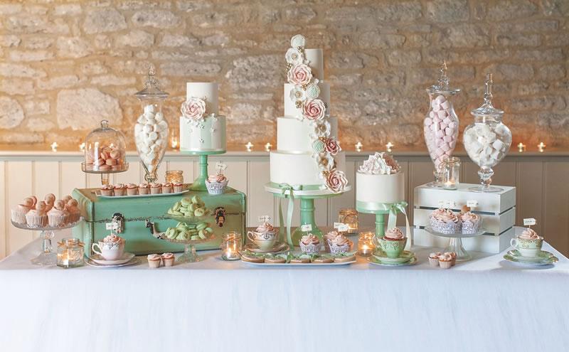 behind-times-wedding-cake-annatylercakes.co.uk mint_pink_dessert_table