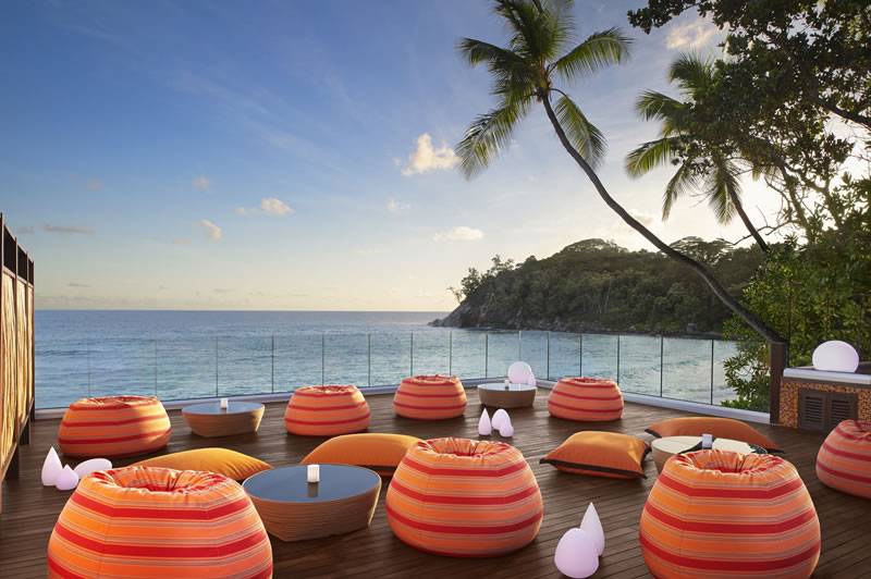152-seychelles-comp-67249144-H1-Gravity_Bar_Day