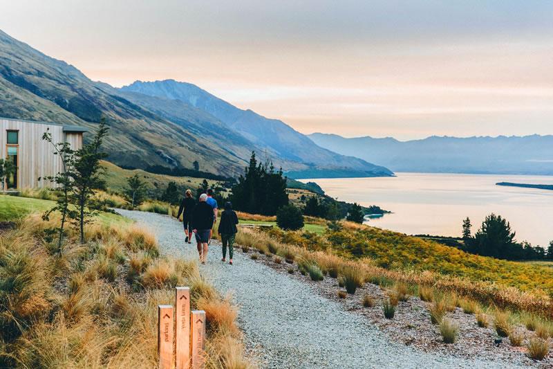active-honeymoon-Aro-Ha_sunset-walk