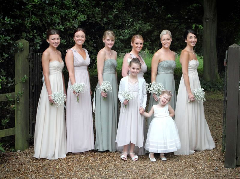mismatched-bridemaids-favourite-bridesmaid-looks-louise-Philp-Photography-KBJ_093
