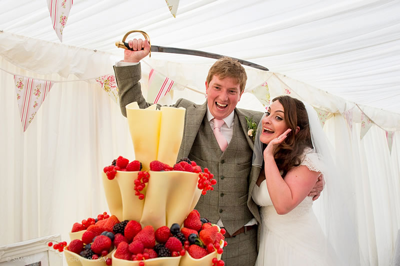 multitasking-wedding-details-simonbuckphotography.com C&M559