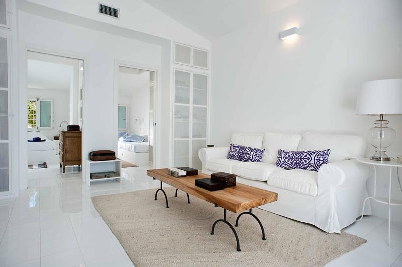 sizzle-in-sicily-Casa Blu - living room