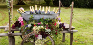 Get-Knotted.net Booze Barrow £85 to hire (credit- aikmansmithphotography.com) (6)