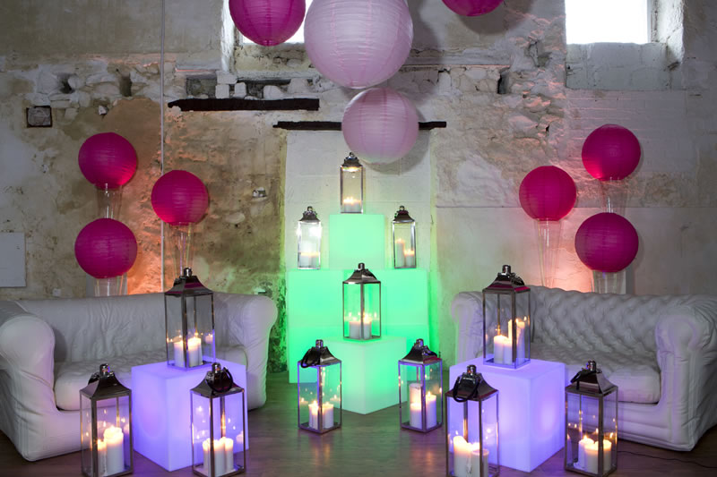Get-Knotted.net LED Light Cube Seats £20 to hire (11) (credit- aikmansmithphotography.com)