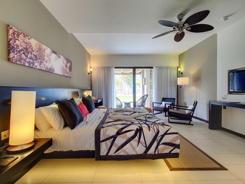 MARITIM Cystals Beach Hotel bedroom