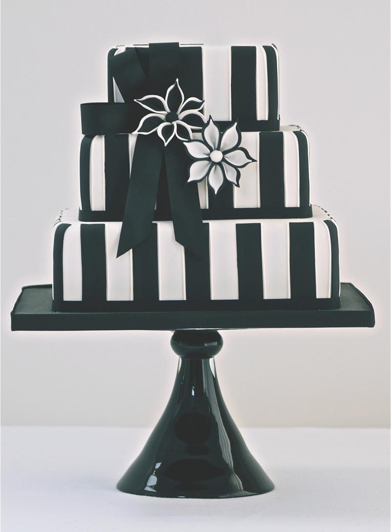 black-white-wedding-theme-CAKESBYKRISHANTHI.CO.UK Black & White £600.00