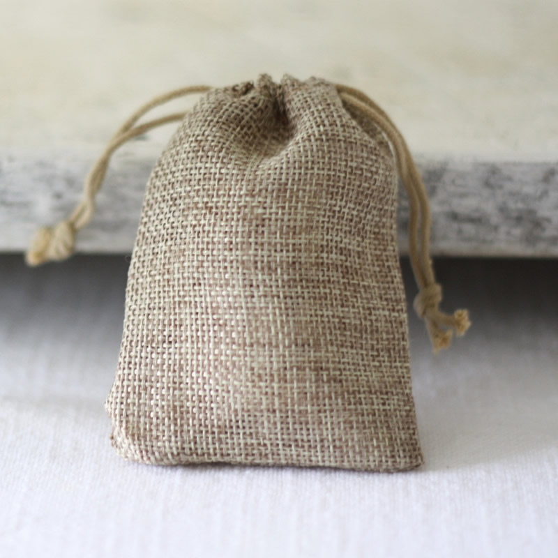 rustic-wedding-womd-hessian_wedding_favour_bags_sq_2_1024x1024