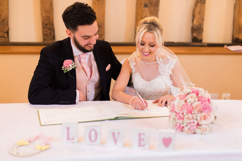 A clear trend throughout 2016, guests and newlyweds still seem to love the idea of a shared Mr & Mrs wedding speech between the bride and groom!