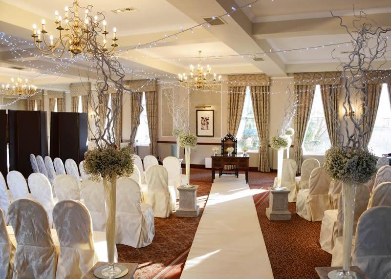 Macdonalds-hotels-feature-Ceremony 3