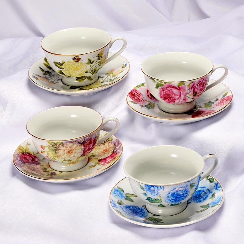 alison-in-wonderland-wedding-theme-bombonierebymaria.co.uk vintage tea cups