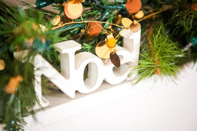carolyn-and-chris-had-a-beautiful-winter-wedding-with-festive-touches-dominicwhiten.co_.uk-1037