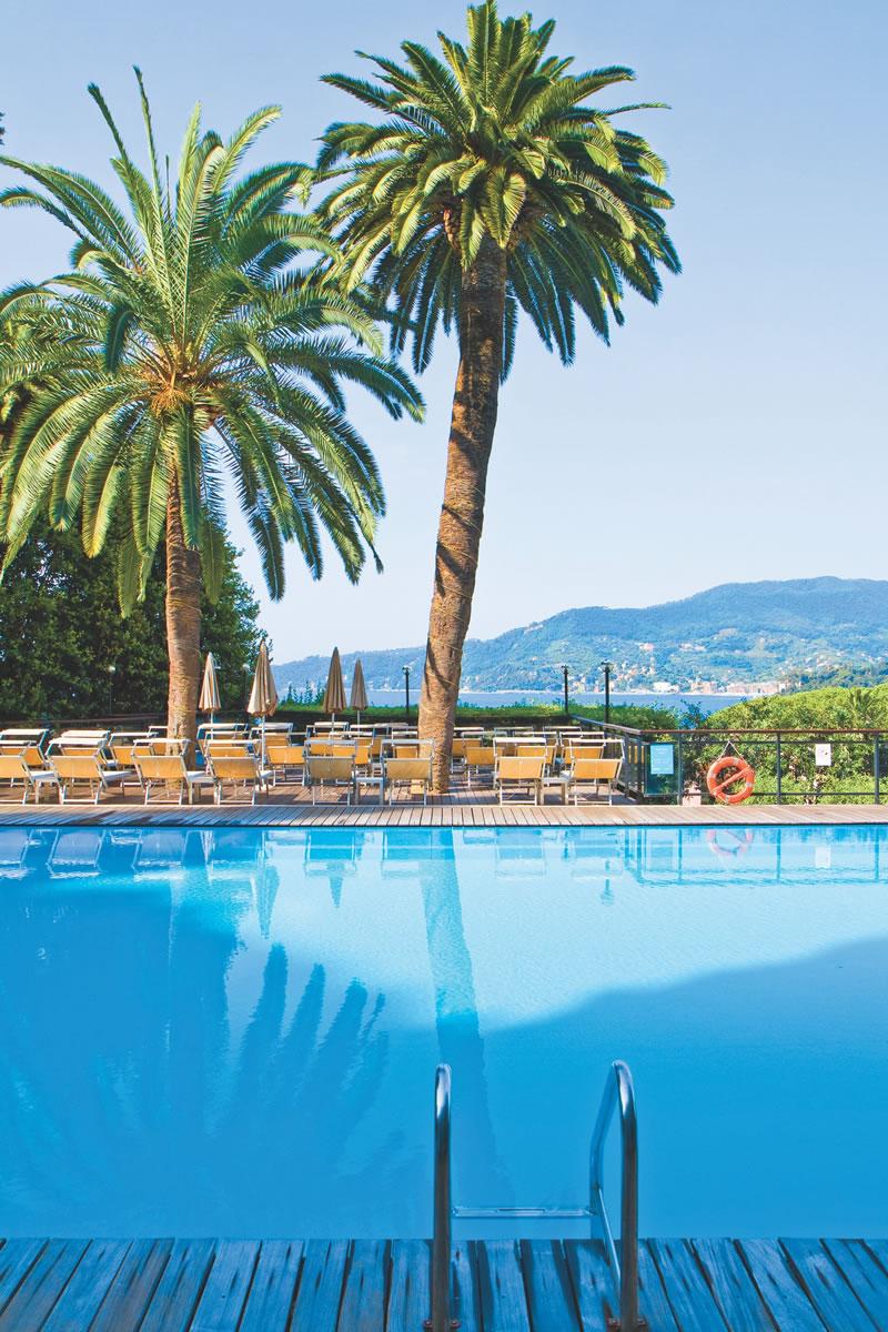 dream-honeymoons-1k-Italy_grandbristol_pool
