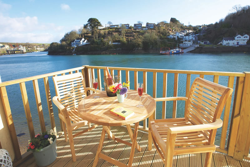 dream-honeymoons-1k-Rural Retreats Barnacles Cornwall