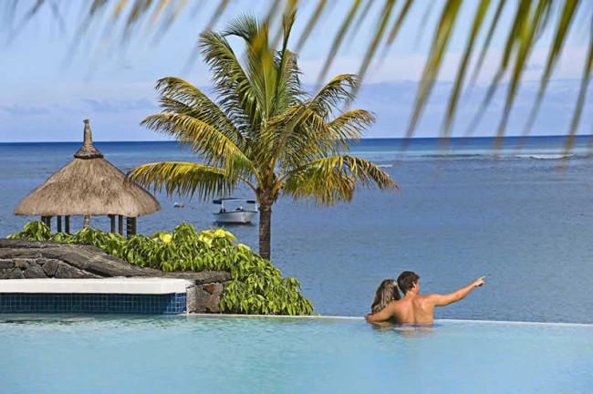 luxury-honeymoon-competition-MAU_083_Pool-vier