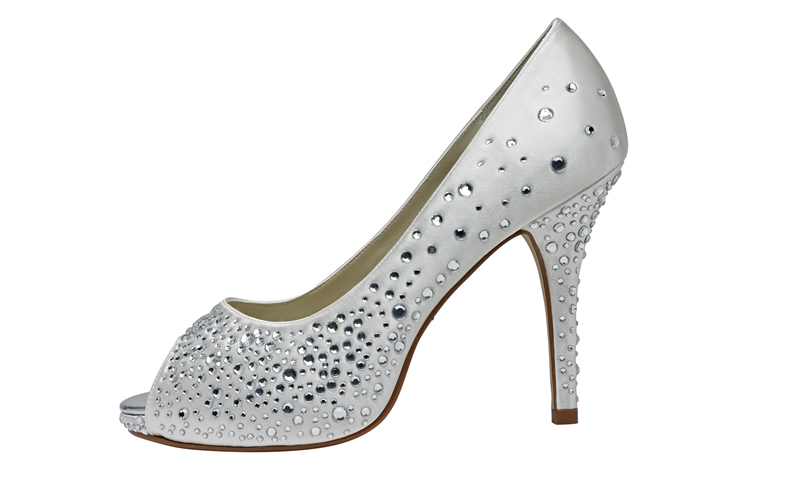 d1cdc35ae9e8 10 fabulous wedding shoes for your wedding day