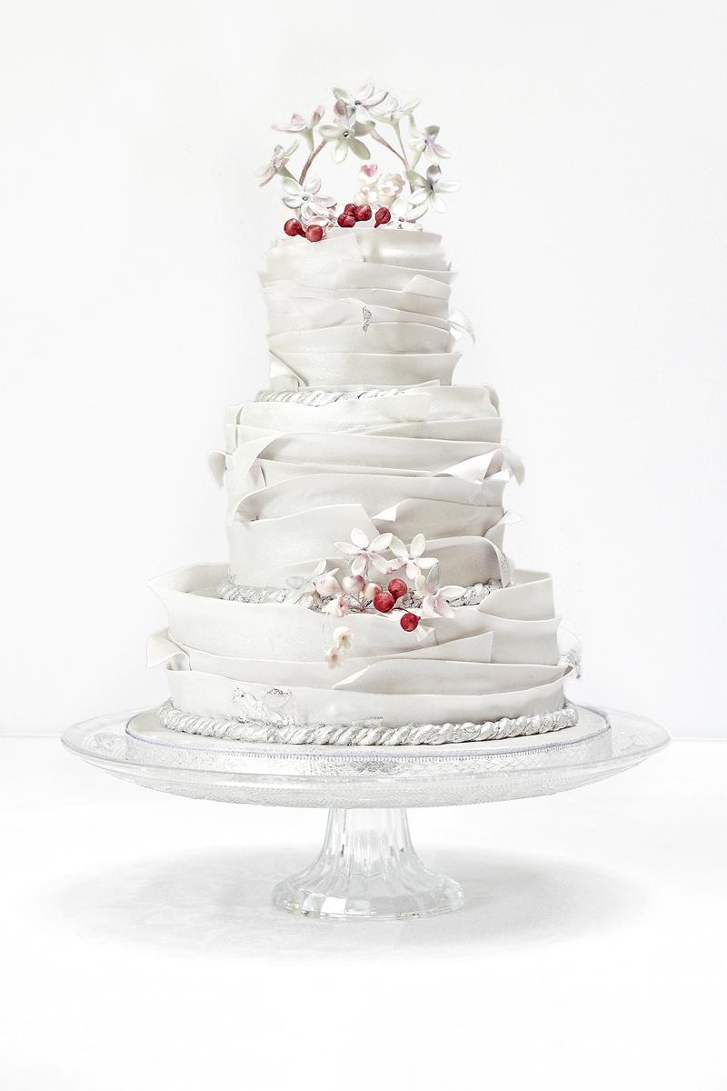 11-winter-weddings-cakesbykrishanthi.co.uk £POA Hi_res09