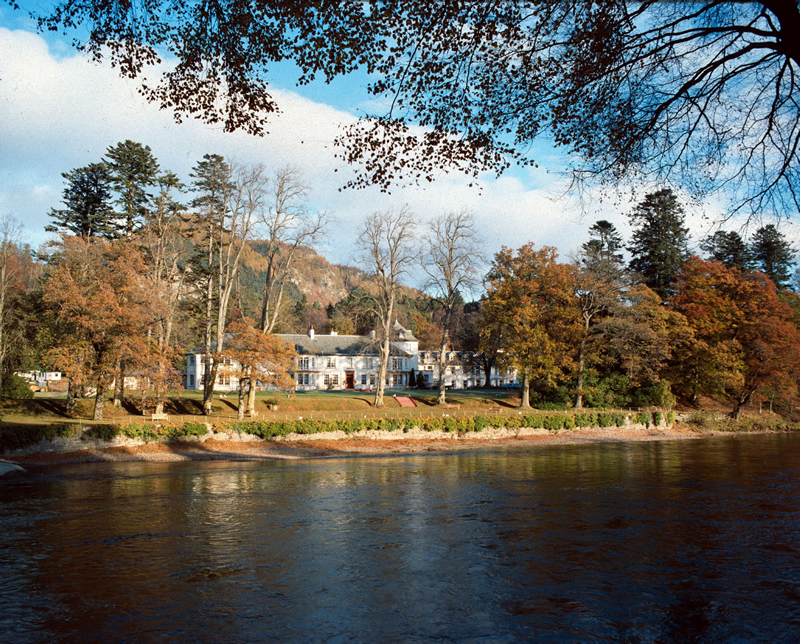 Dunkeld_House_River_HR