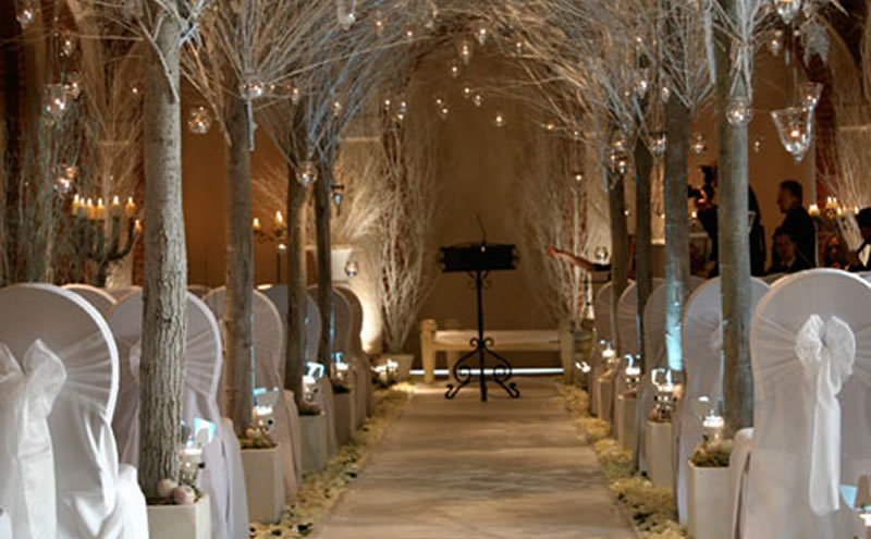 10 stunning venues made for your winter wedding