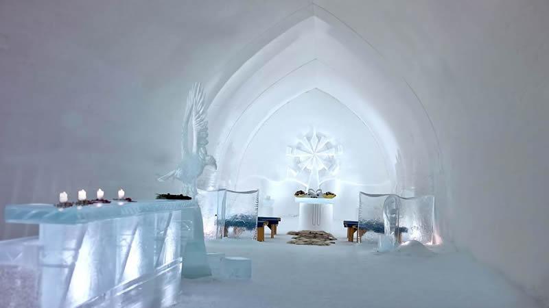 Kakslauttanen Arctic Iglo Resort