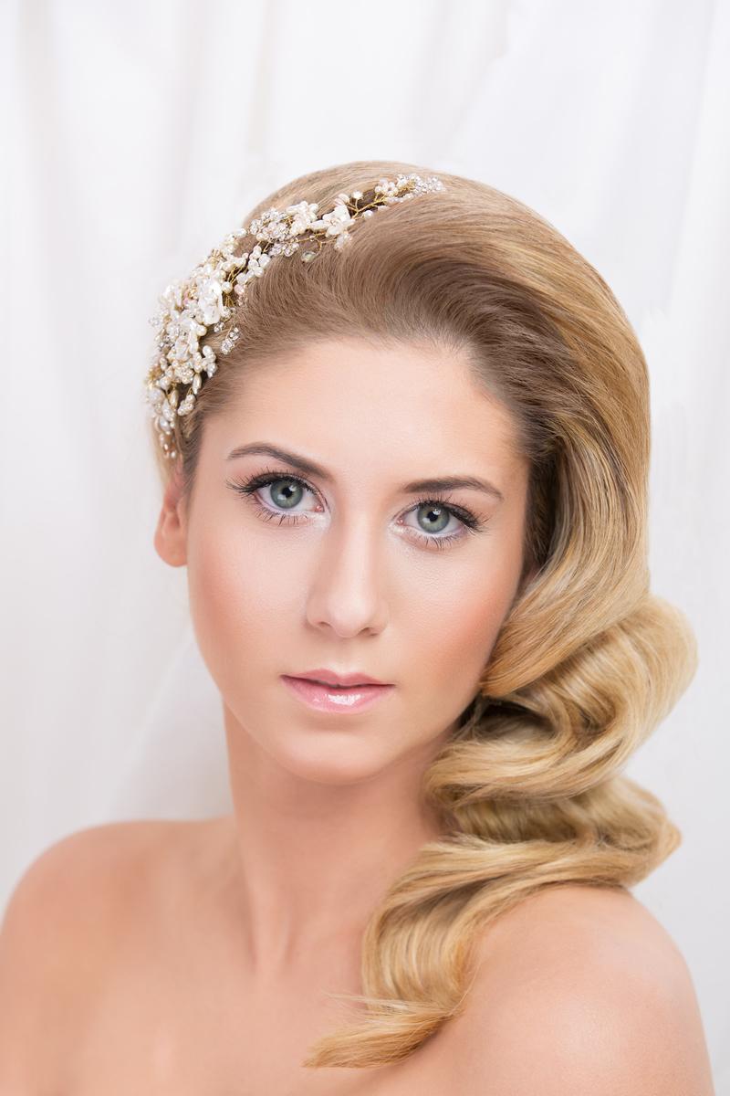 bridal-hair-seasonal-Darren-Brade-0005-A-Bride-For-Every-Season-SUMMER