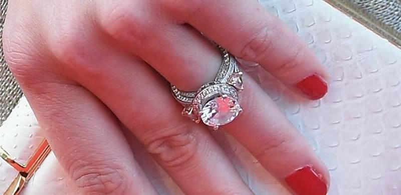 celebrity-engagement-rings-Amber heard