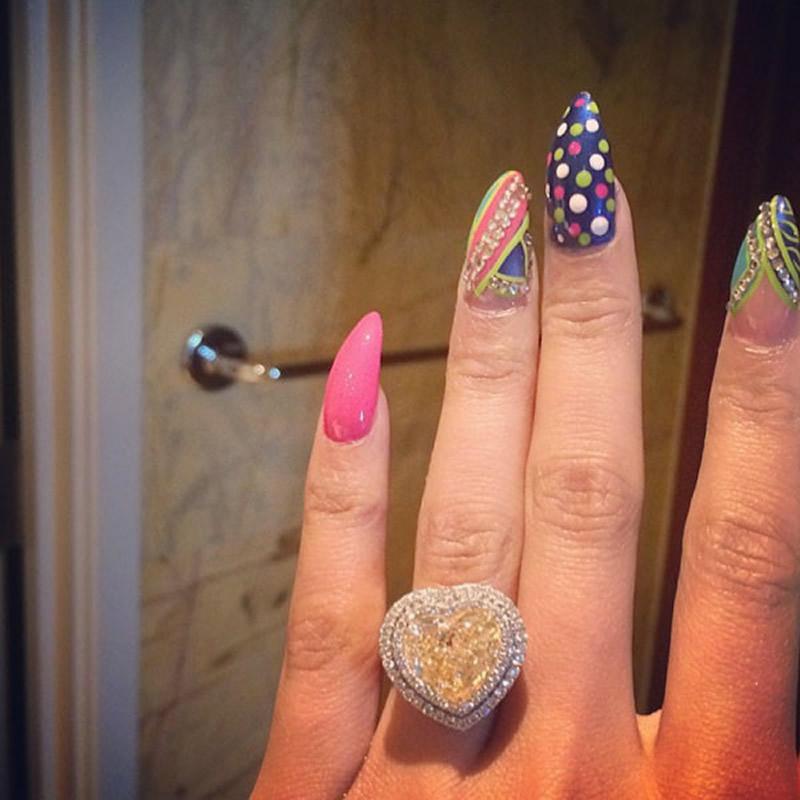 celebrity-engagement-rings-Nicki Minaj
