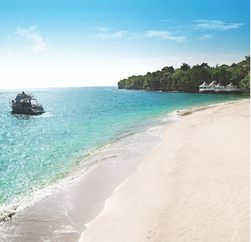 couples-resorts-Beach
