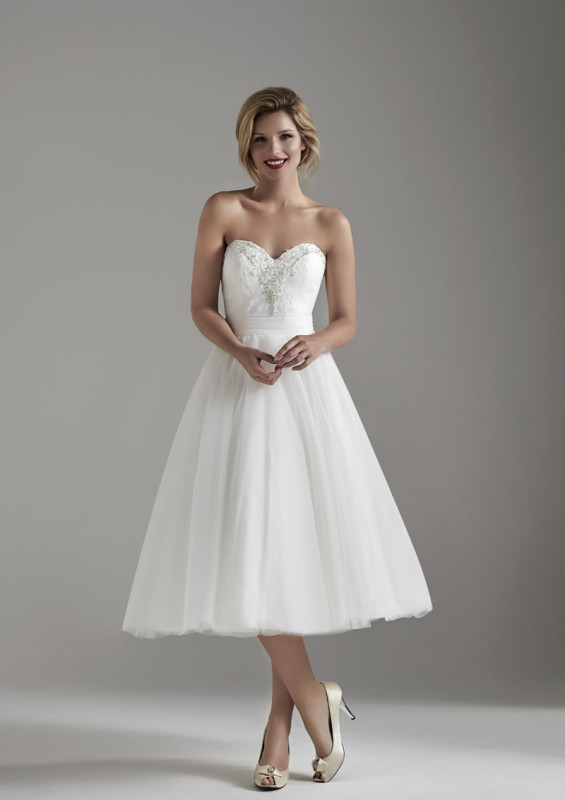 The new collection from Opulence Bridal is breathtakingly beautiful!