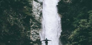 big waterfall couples bucket list ideas