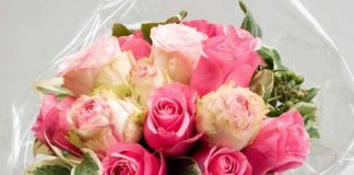 top tips for beautiful wedding flowers bouquet of roses