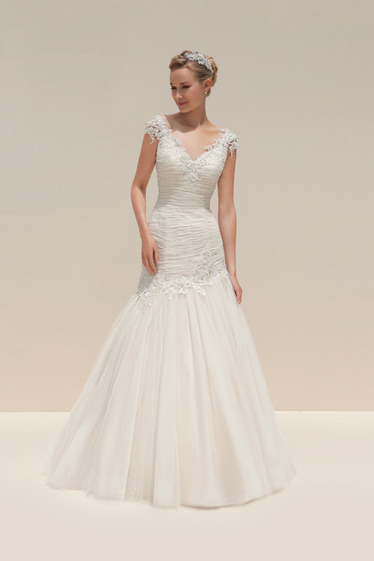 Take a peek at the breathtaking 2016 collection from Mark Lesley!