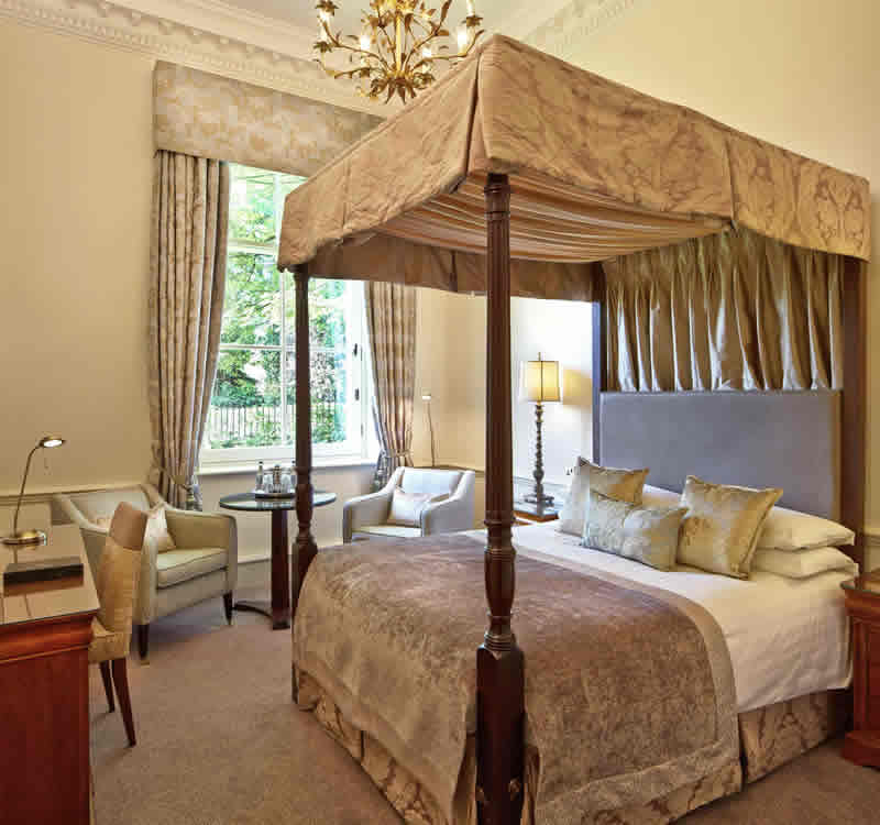 SML Bath Spa - Club Four Poster