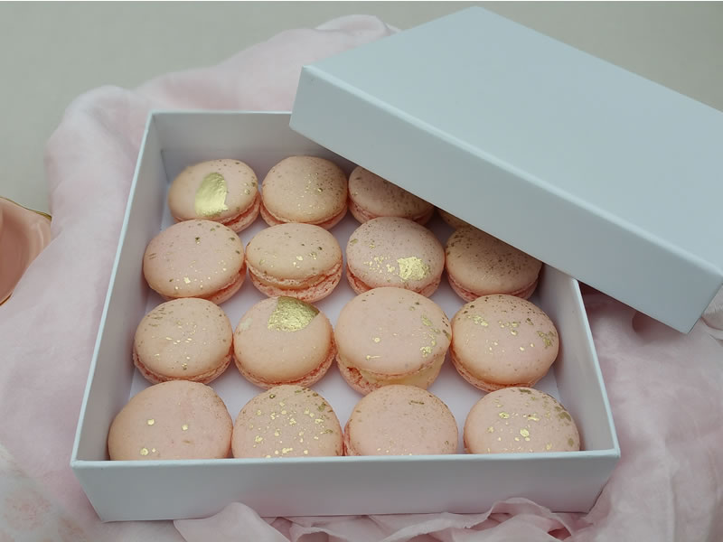gifted heart cakes macaroons