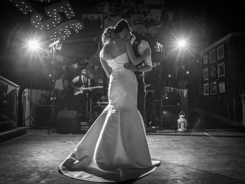 Chris and Debbie tie the knot in a fabulous navy and peach wedding
