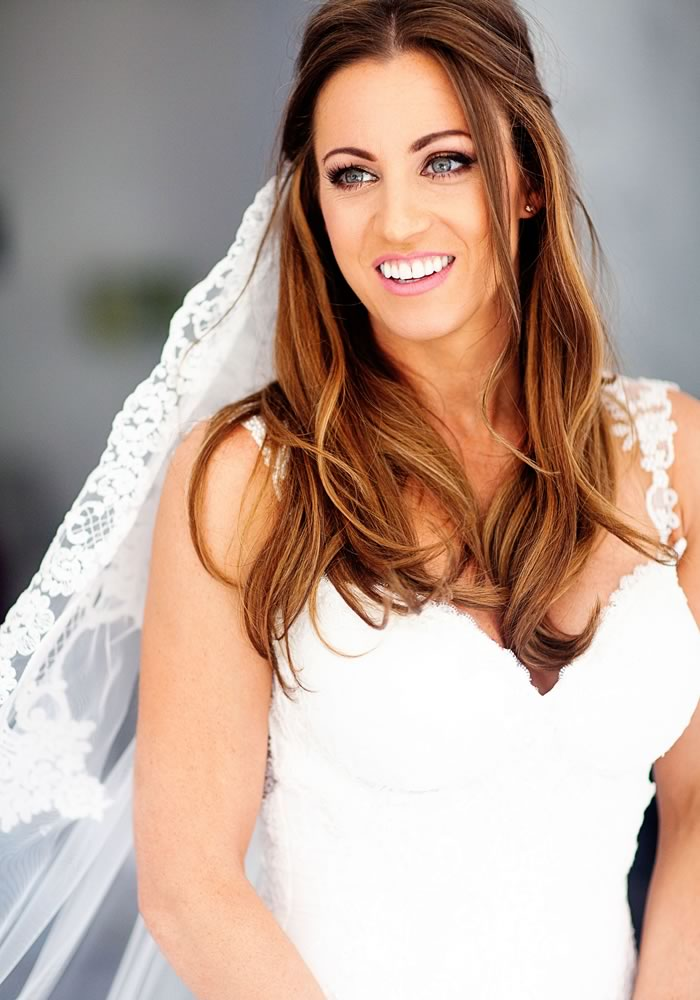 Wedding Hair Styles: The Ultimate Guide hair down with veil