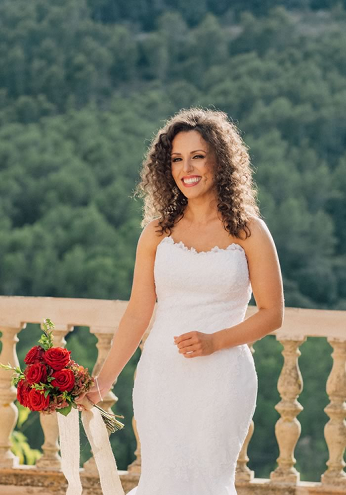 Wedding Hair Styles: The Ultimate Guide curly hair down