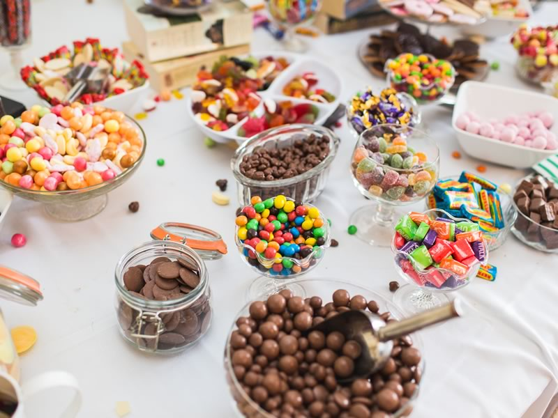 Make forgotten favours a thing of the past with these four fab favour ideas that your guests actually will appreciate and use