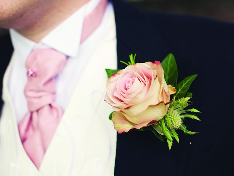 5 ways to use flowers at your wedding