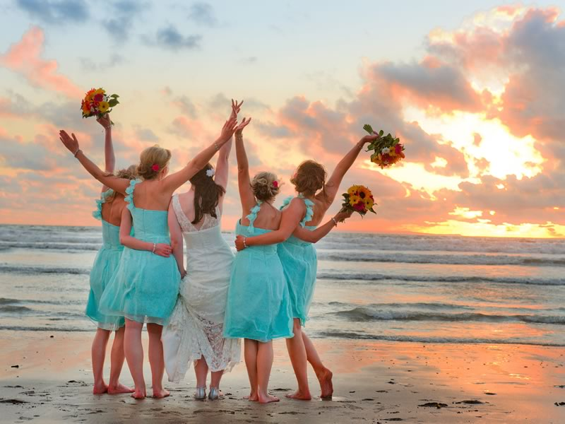 Thank the people who helped to make your wedding day so special with these gift ideas for every member of the bridal party!