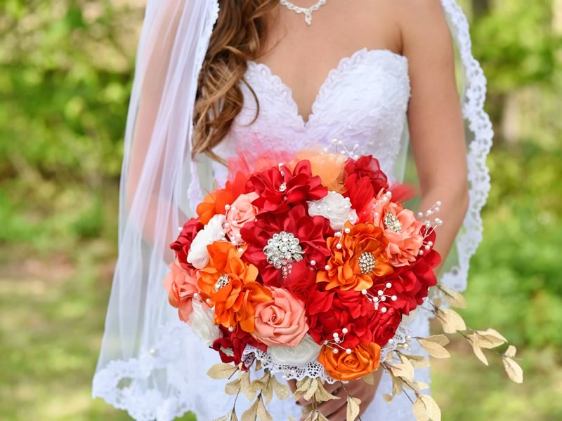 The new August issue of Wedding Ideas is here! We love the fiery red, cowboy charm and rustic lace details in Brittany and Justin's American barn wedding! Get your copy now!
