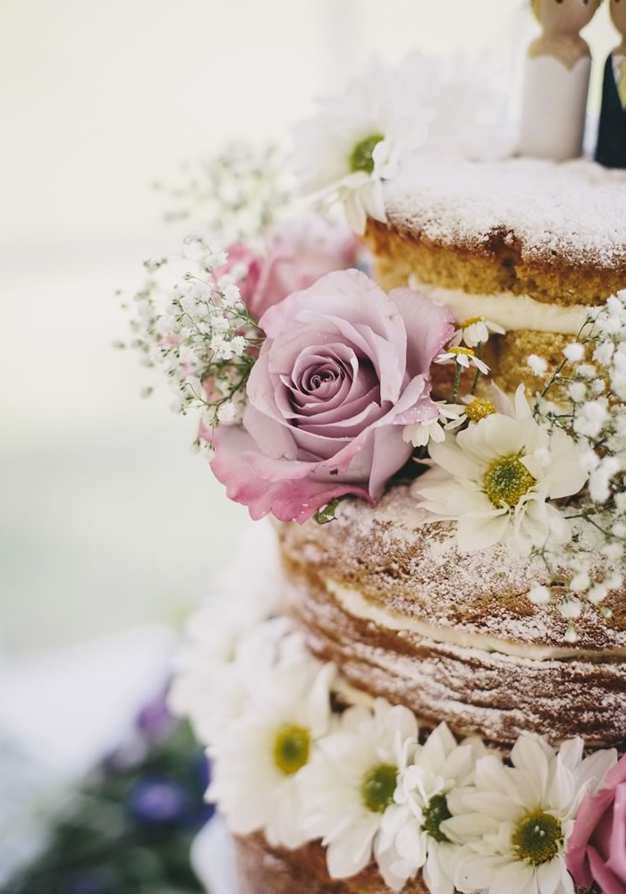 How To Diy Your Cake With Flowers Wedding Ideas Magazine