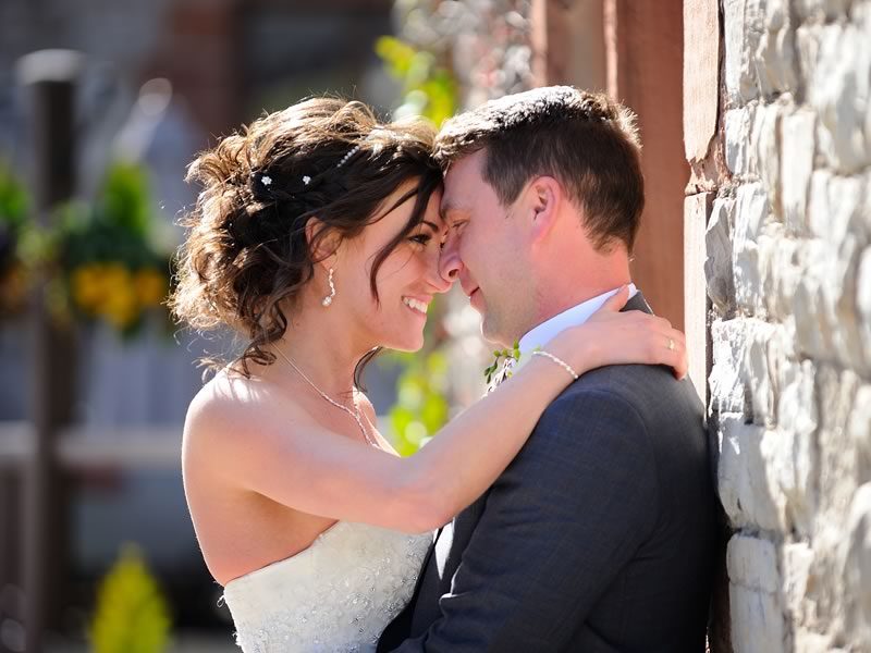 Michael and Rachel say 'I do' in a wonderfully handmade wedding full of personal touches