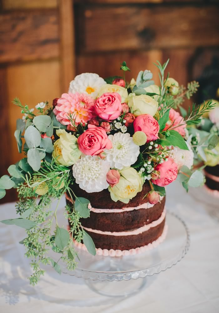 floral cakes Bramble and Wild